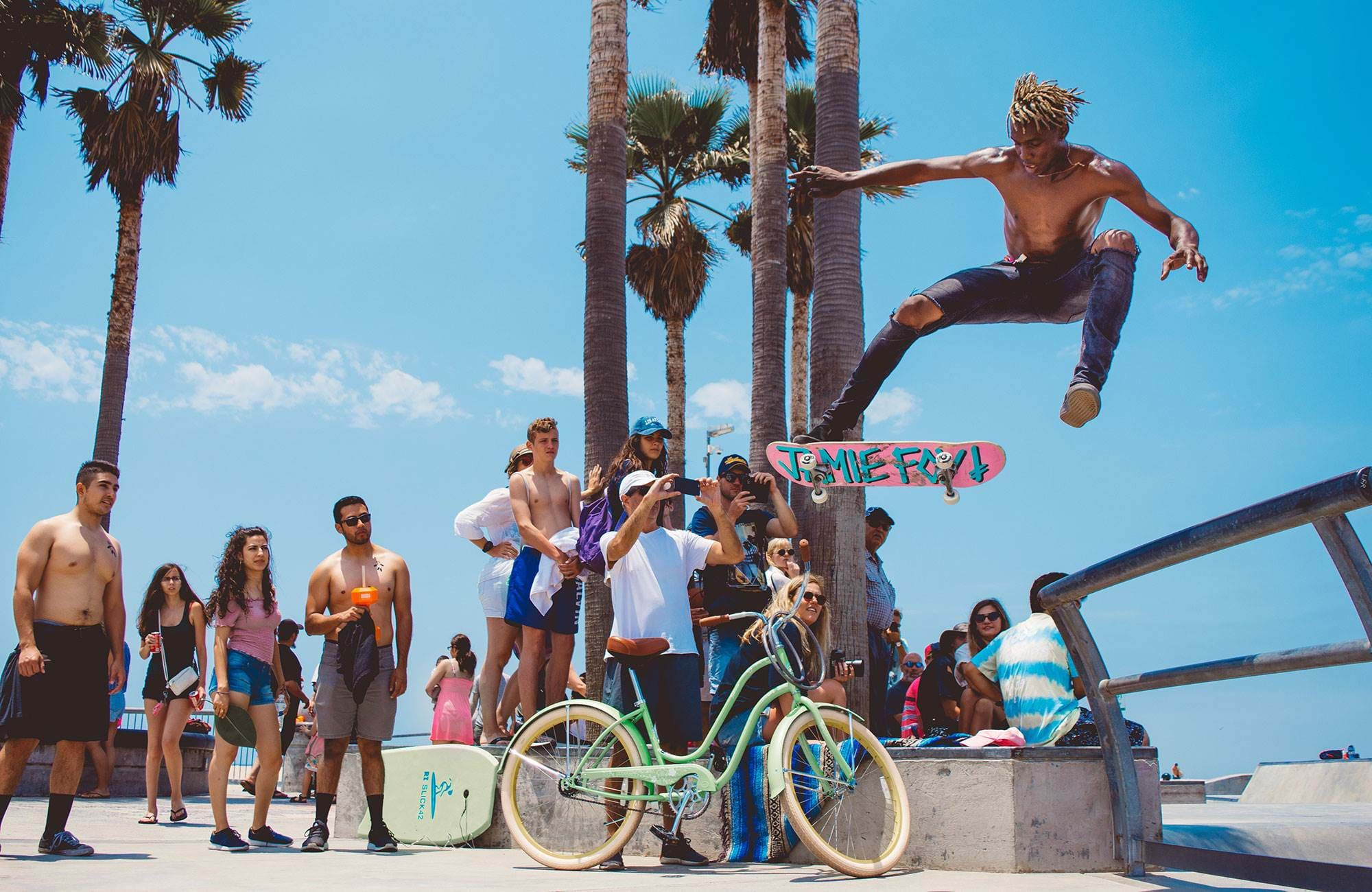los-angeles-usa-venice-beach-skaters-cover
