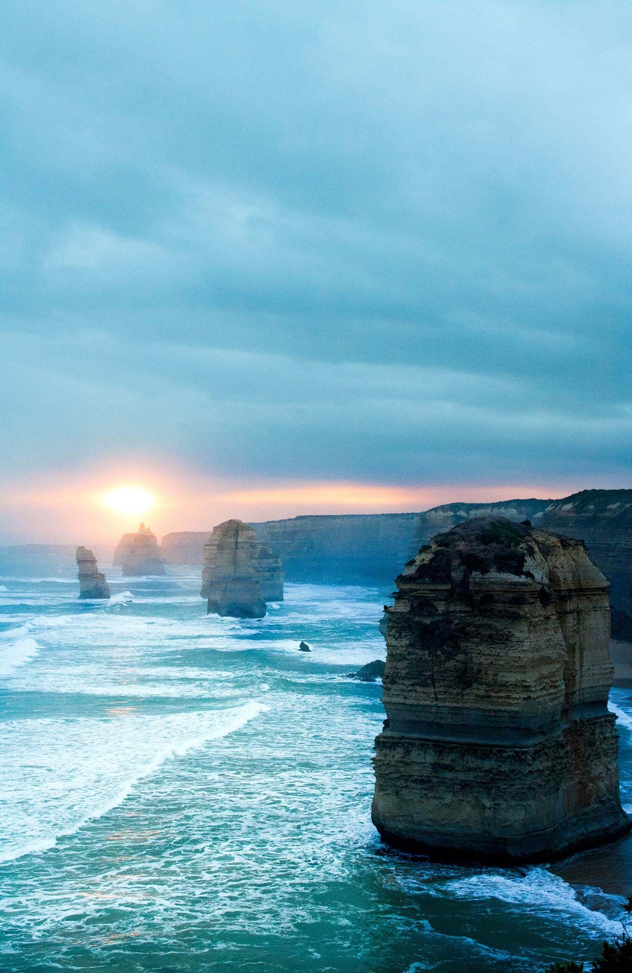 australia-twelve-apostles-with-sun-beam-sidebar