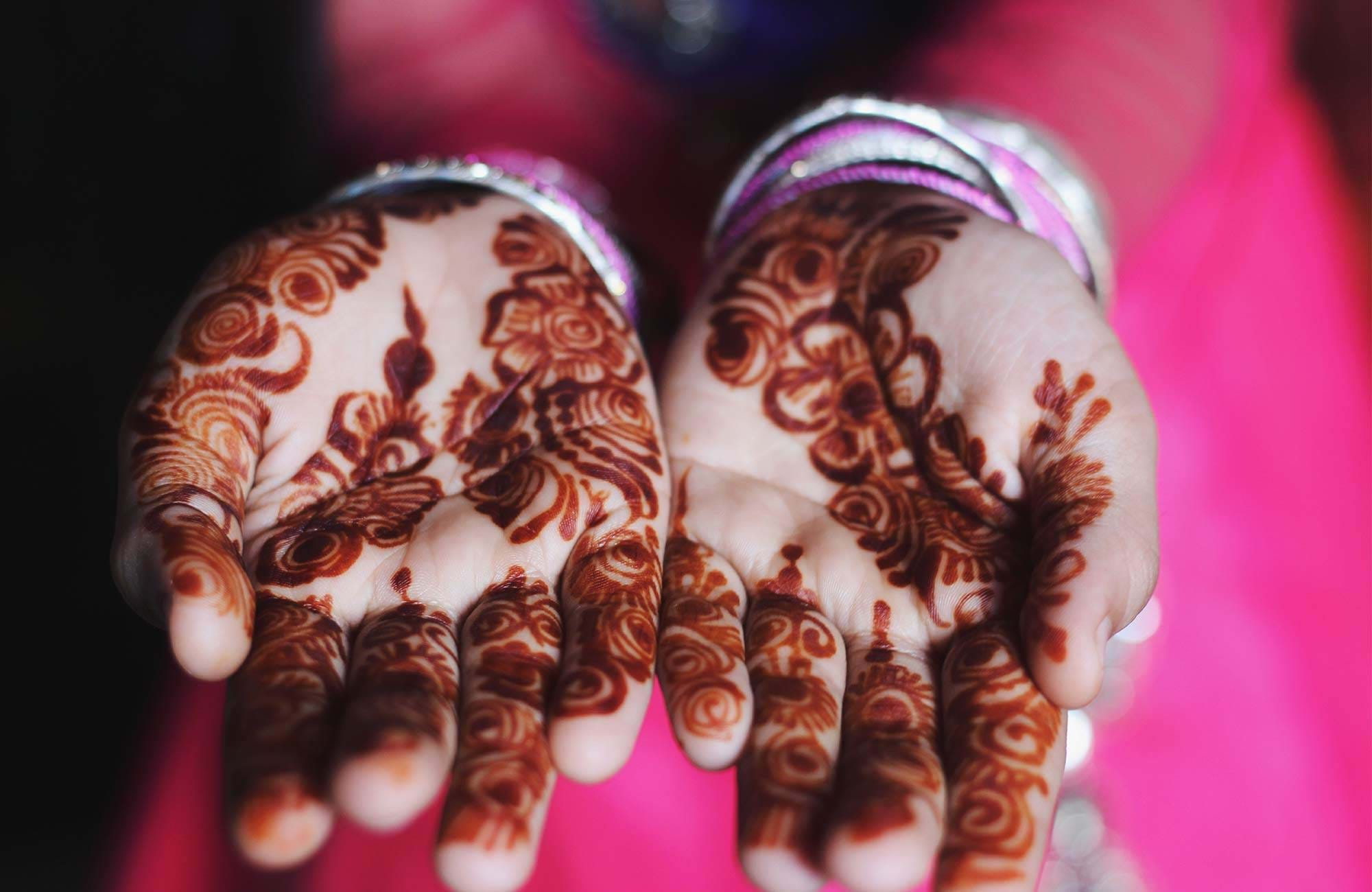 india-hands-henna-cover