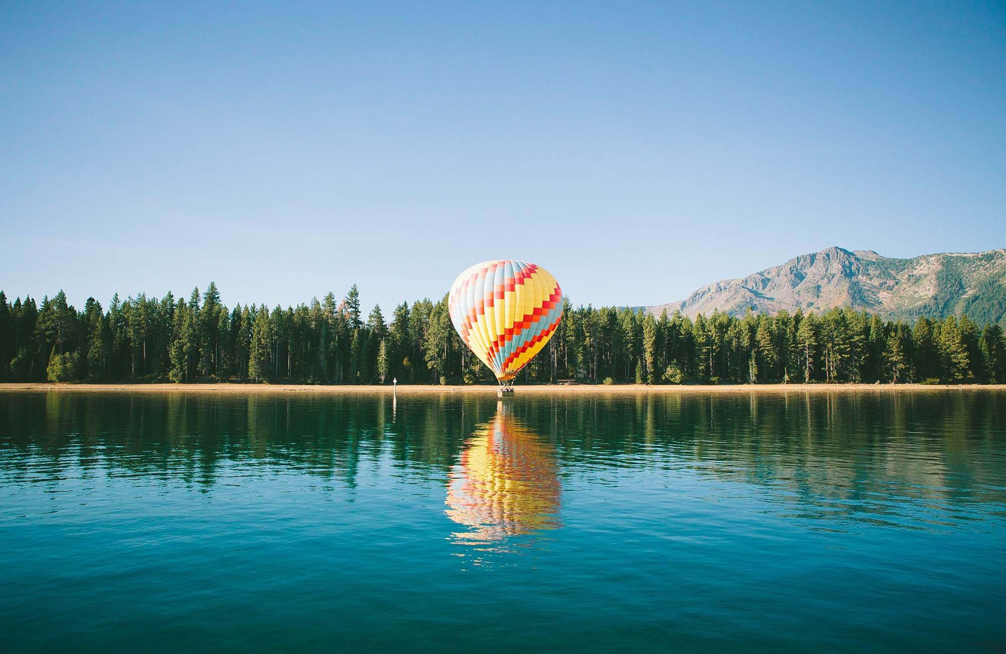 california-usa-lake-tahoe-air-balloon-cover