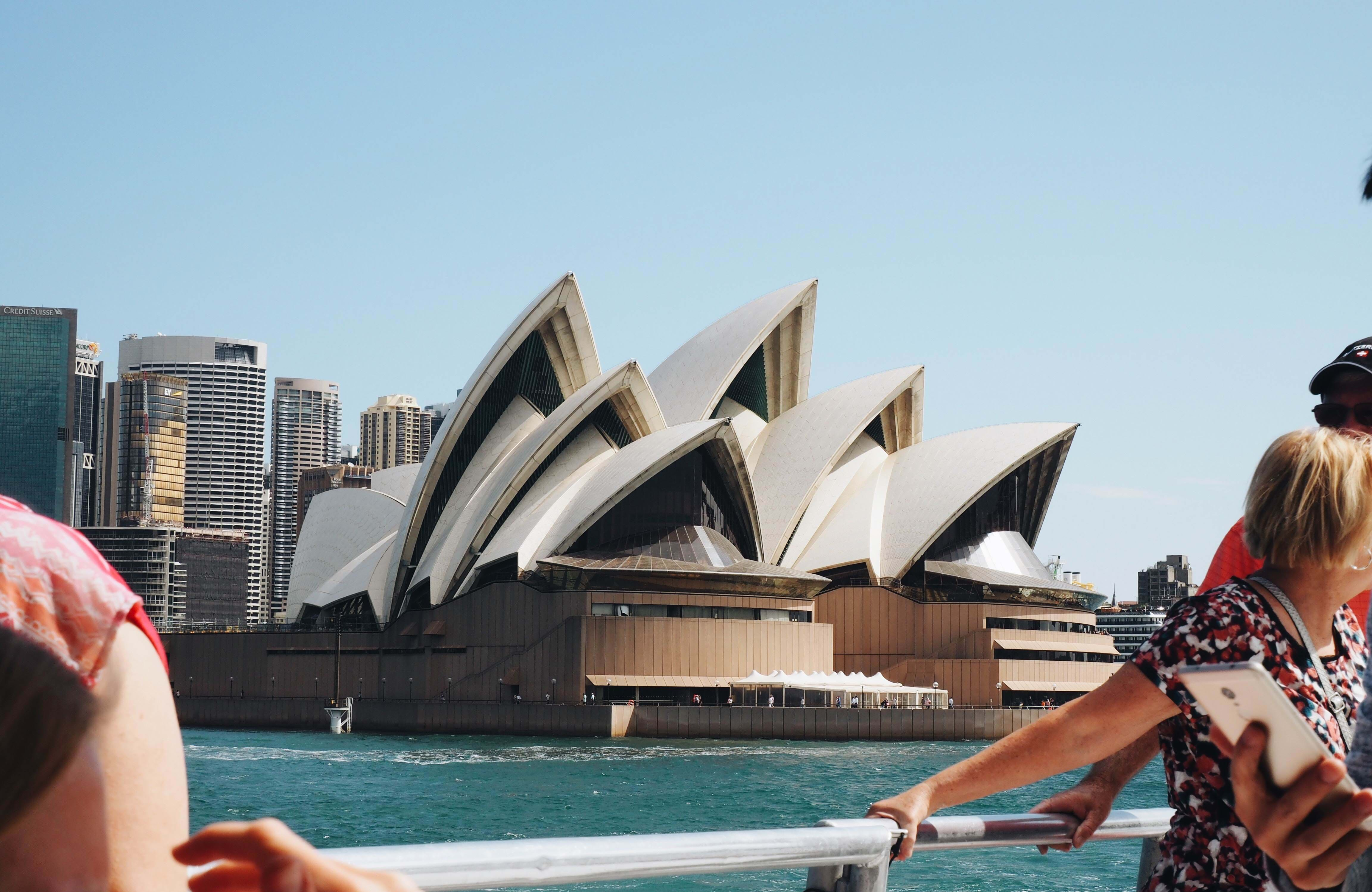 sydney-opera-tourists-cover