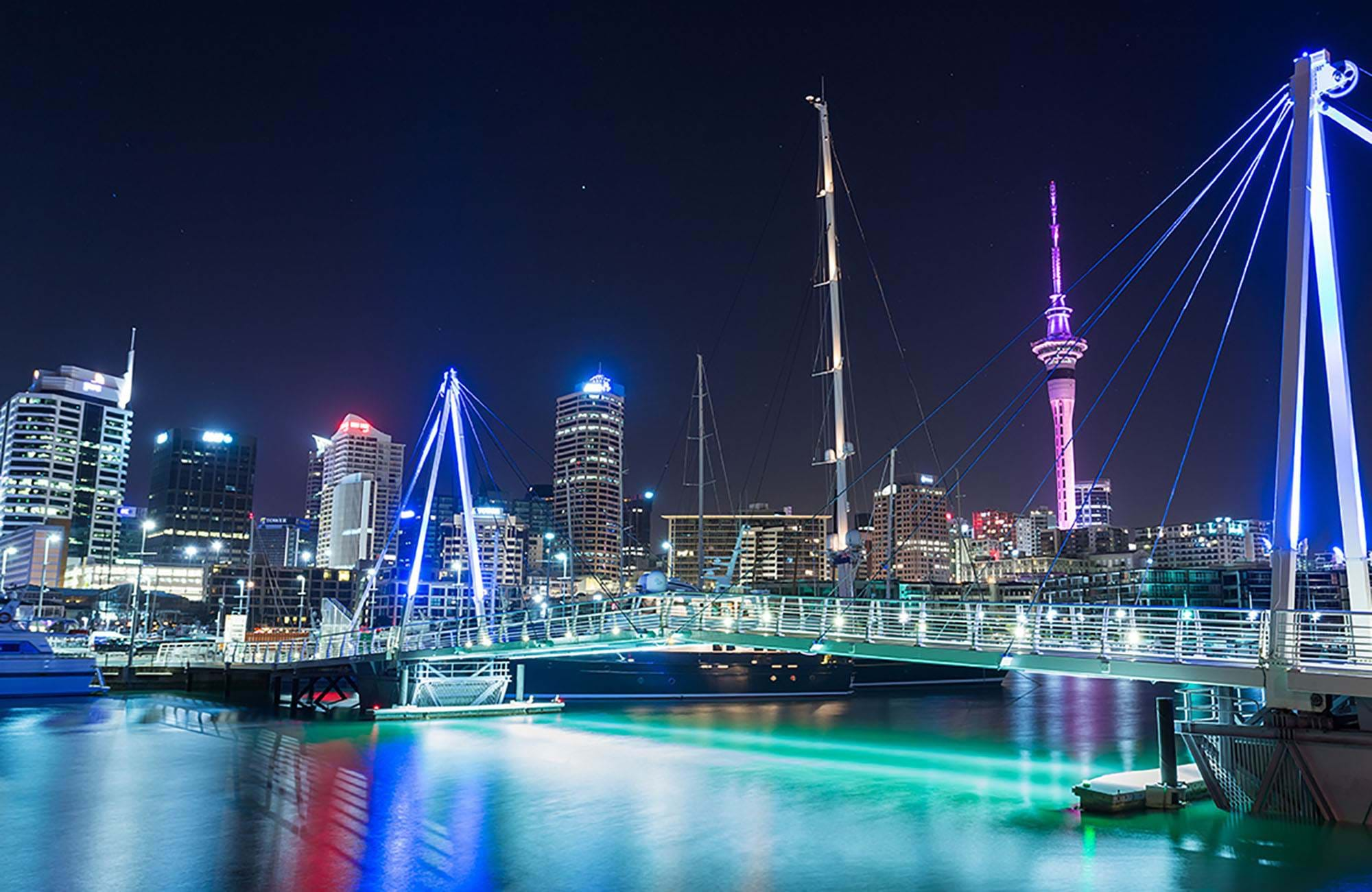 new-zealand-auckland-night-time-cover