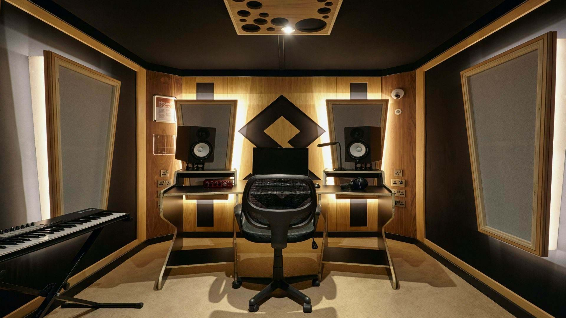 recording studio at bimm in london