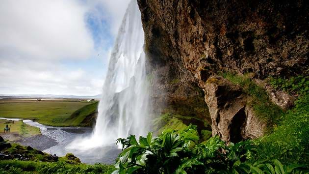 scenery--seljalandsfoss-1---ellithor_1280x720